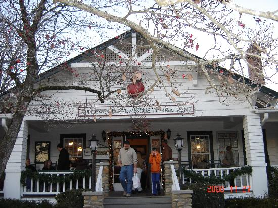 the apple barn picture of pigeon forge sevier county 87902