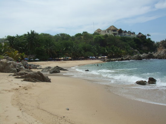 Puerto Escondido, Mexico: Playa Manzanillo - Very swimmable beach