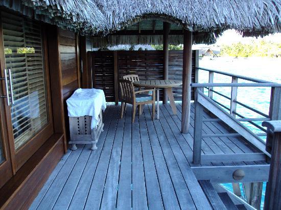 Four Seasons Resort Bora Bora: outside deck