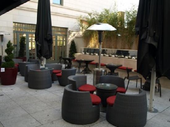 Dylan Hotel: Terrace