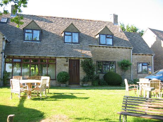 Corsham Field Farmhouse: One of the Houses