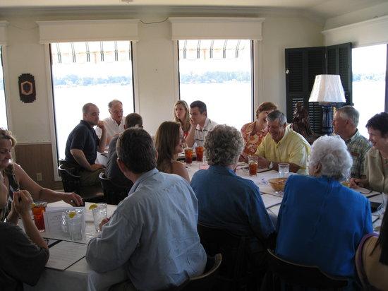 Things To Do in Oakley Plantation, Restaurants in Oakley Plantation