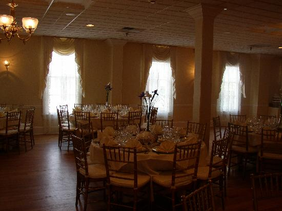 Hotel Alcott : Elegant Reception Room