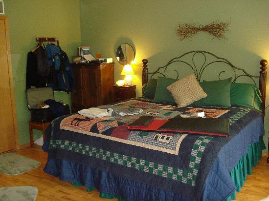 Alaska Garden Gate B & B: Forest Haven Guest Apartment