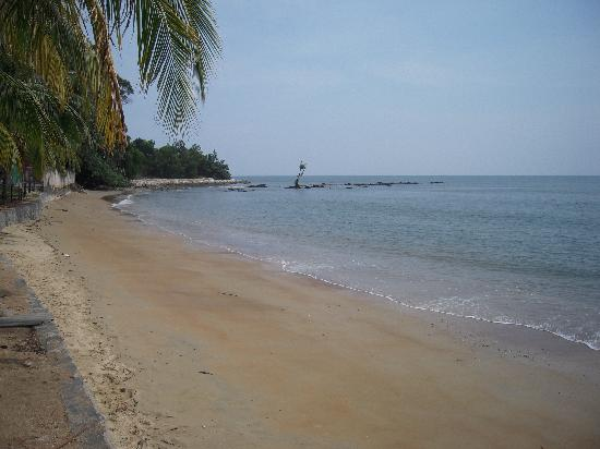 Seri Bulan Port Dickson : Front beach