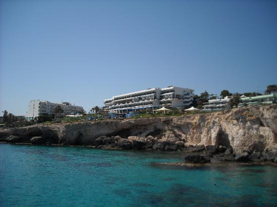Atlantica Club Sungarden Hotel : The view of the hotel from the sea