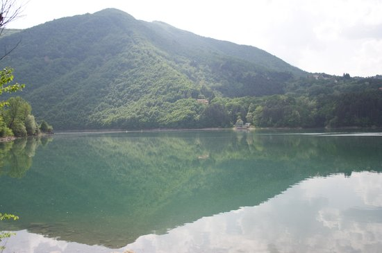 Эмилия-Романья, Италия: Lago di Suviana