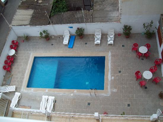 Hotel Gracia: the pool area