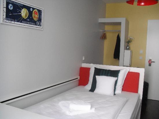 The Circus Hotel: single room