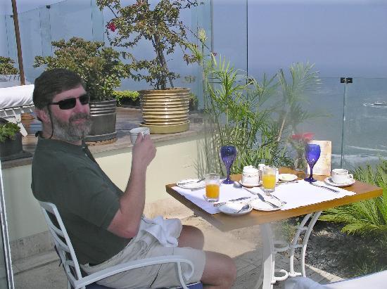 Belmond Miraflores Park: Our favorite table for breakfast