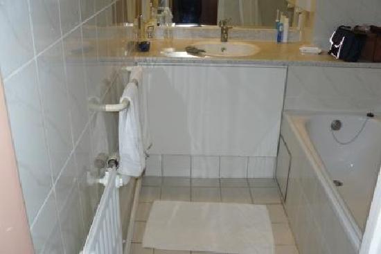 Chao Chow Palace: bathroom