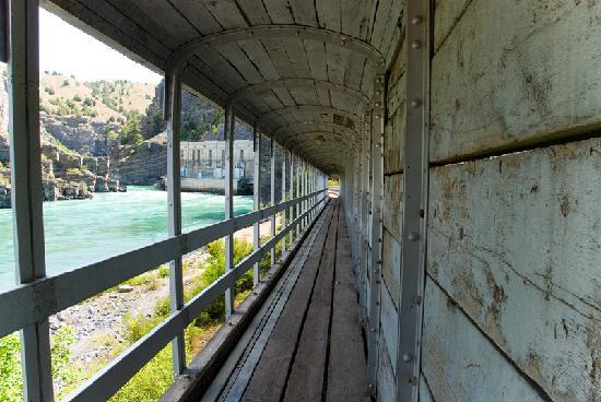 Kerr Dam: Covered walkway below dam
