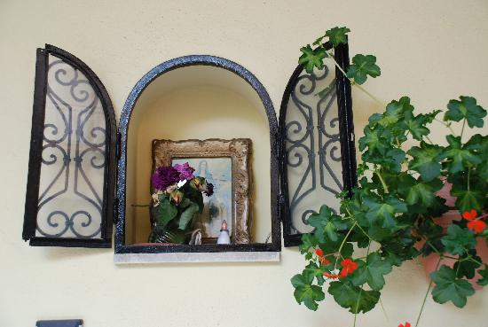 I Colori Del Sole: elle veille sur le visiteur