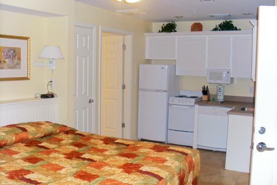 Holiday Inn Club Vacations Galveston Seaside Resort: Second bedroom and small second kithchen in lockout bedroom in Presidential unit