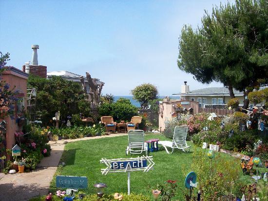 Seaside Motel: Rebecca's Gardens