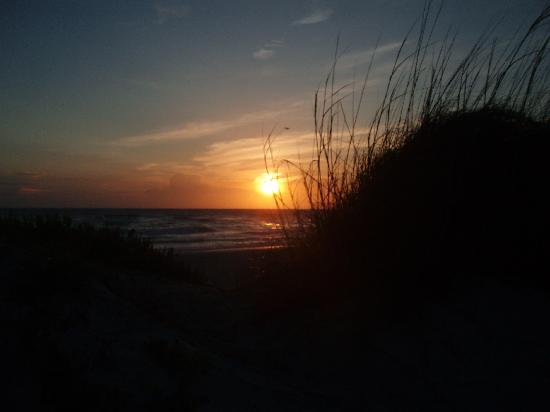 The Beach on Longboat Key: Awesome sunset out back door