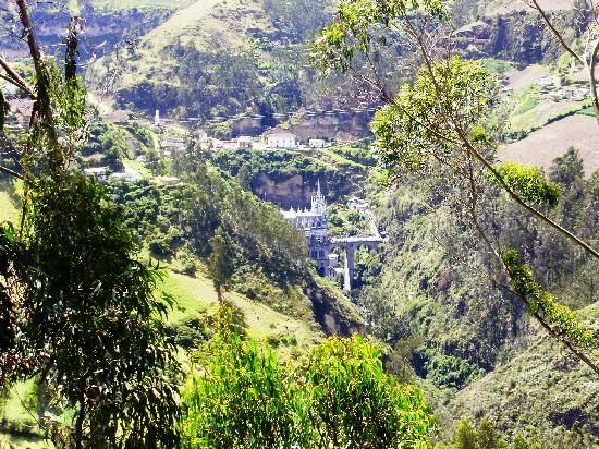 Las Lajas Sanctuary: eedgar
