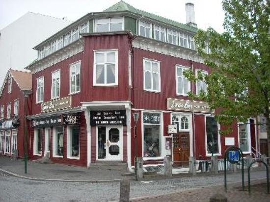 Einar Ben is one of the oldest restaurants in Reykjavik