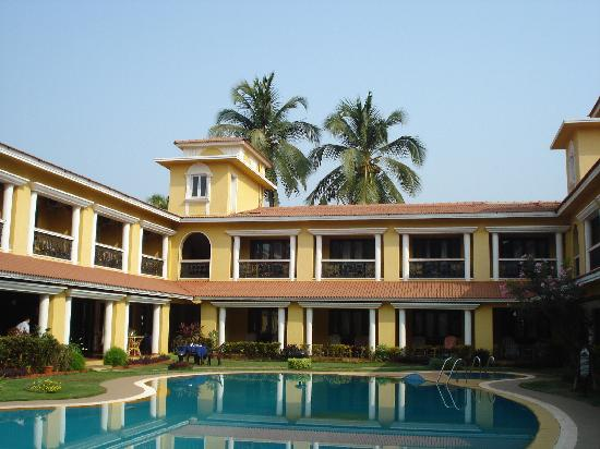 Casa De Goa Boutique Resort: Pool
