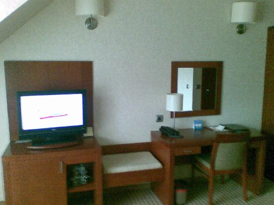 Wisla, Poland: Bedroom - tv desk
