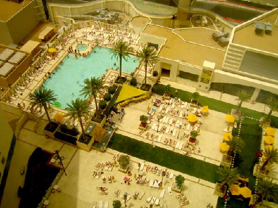 Swimming Pool Picture Of Planet Hollywood Resort Casino Las Vegas Tripadvisor