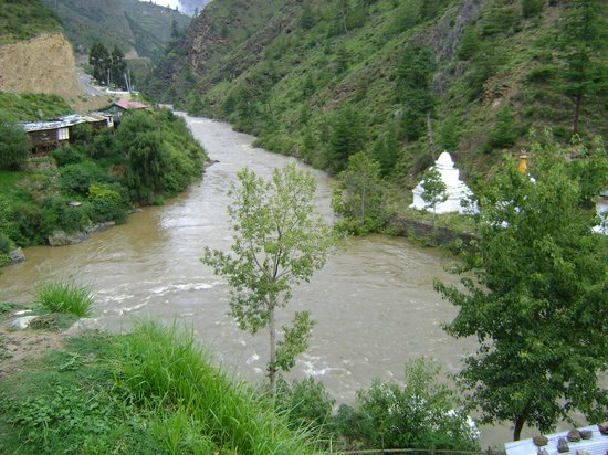 Bután: Confluence of Paro and Thimphu