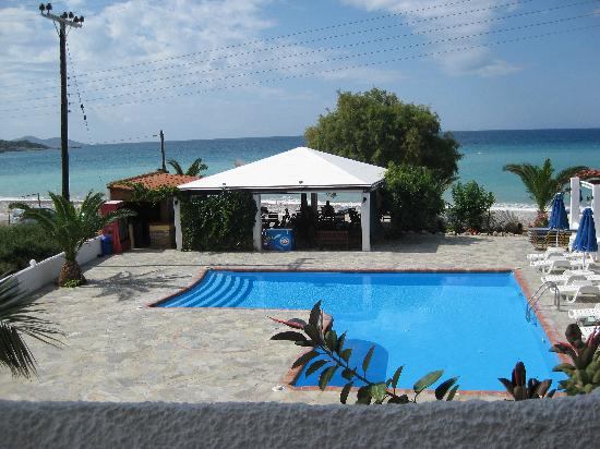Princess Tia Hotel: View of pool and sea