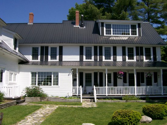 Bear Mountain Inn: The Main Inn