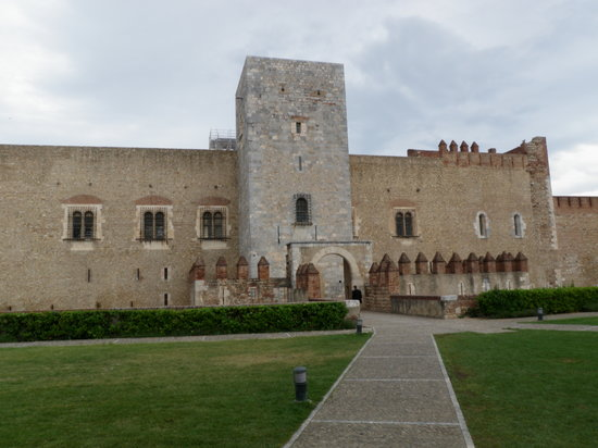 Palais des Rois de Majorque (Palace of the Kings of Majorca): The front of the Palais