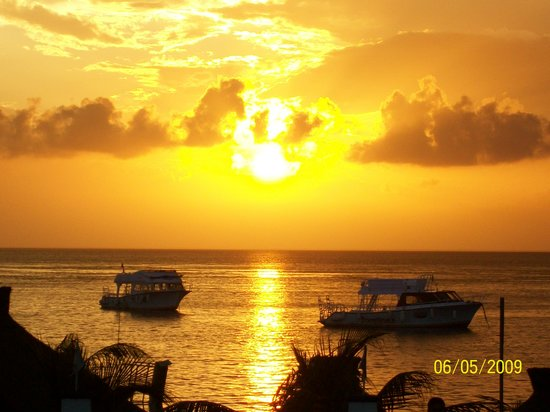 Casa del Mar Cozumel Hotel & Dive Resort: Our last sunset at Casa Del Mar