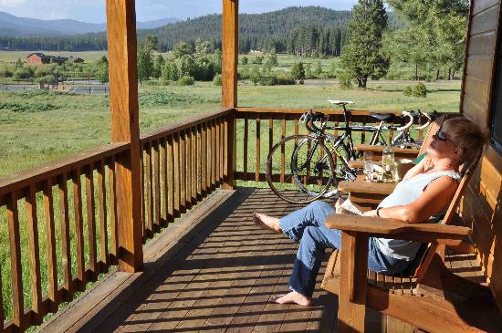 Lodge at Whitehawk: Relaxing on the cabin's porch