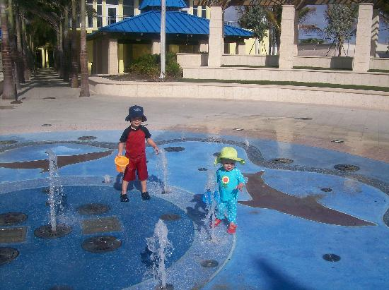 Hollywood Sands Resort: The new splash park on the beach