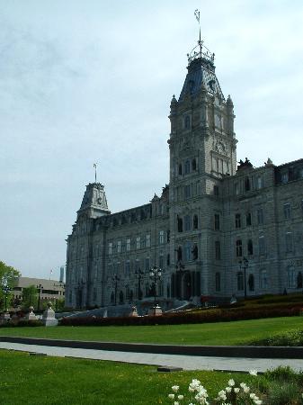 La Victorienne Urbaine: Parliament building