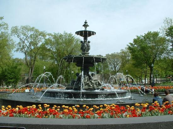 La Victorienne Urbaine: Place de l'Assemblee-Nationale