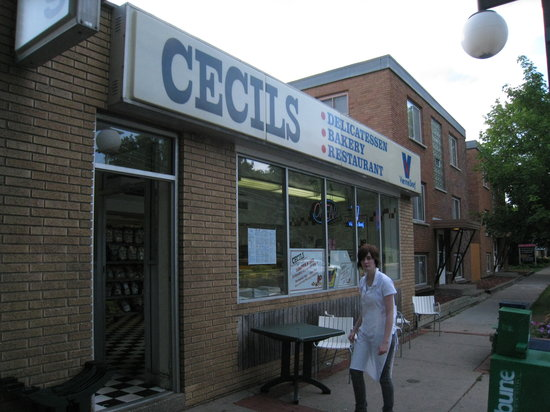 Cecil's Delicatessen & Bakery : The front of Cecil's