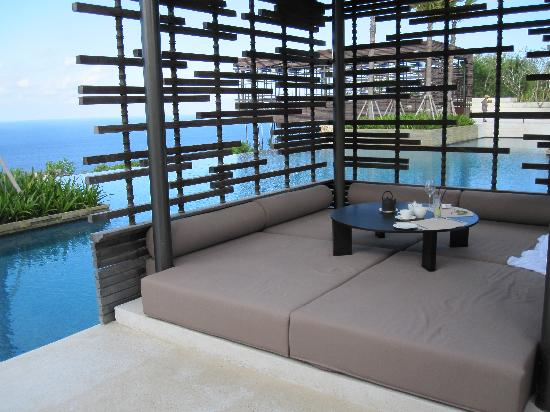 Alila Villas Uluwatu: we ate breakfast in this cabana - what a view