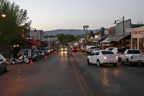 Historic Old Town Cottonwood: Evening in Old Town
