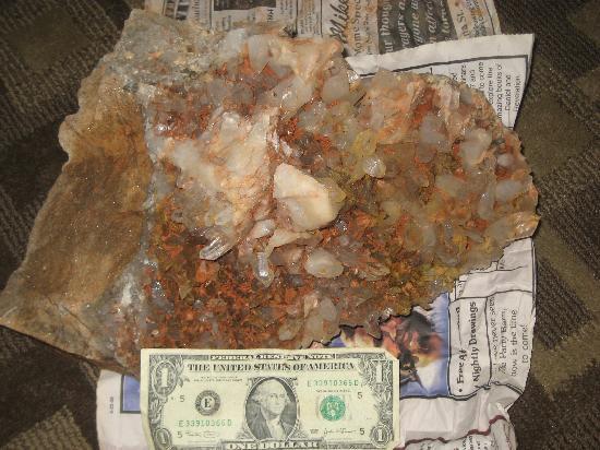 Arrowhead Crystal Mine: Even dirty,, its awsome
