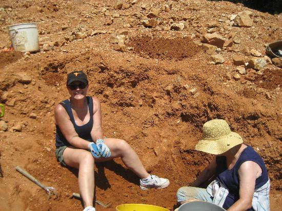 Arrowhead Crystal Mine: Even the ladies are rockhounds