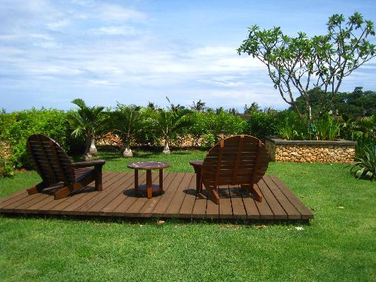 Shangri-La's Boracay Resort & Spa: garden from the balcony