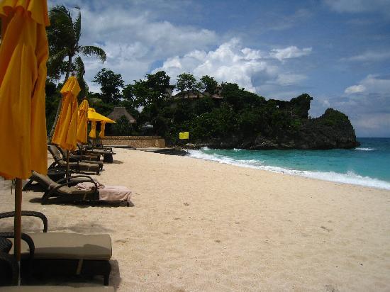 Shangri-La's Boracay Resort & Spa: private beach