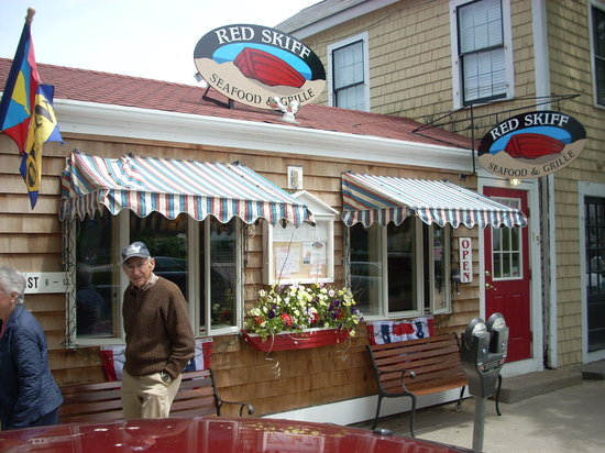 Red Skiff Restaurant : The Red Skiff is easy to find right on the main street by the waterfront.