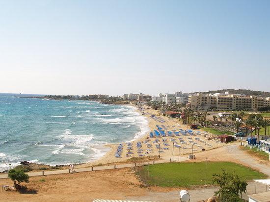SunConnect Protaras Beach - Rising Star Hotel: Fig tree bay on the windiest day. Cazza4