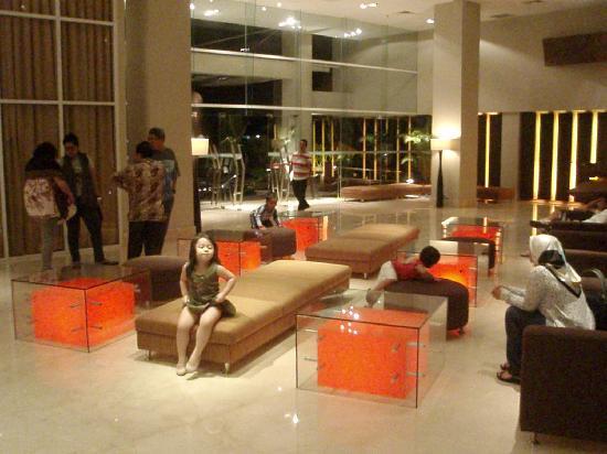 The Luxton Bandung: Stylish lobby