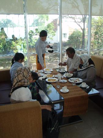 The Luxton Bandung: Breakfast was excellent & staffs are very helpful & polite.