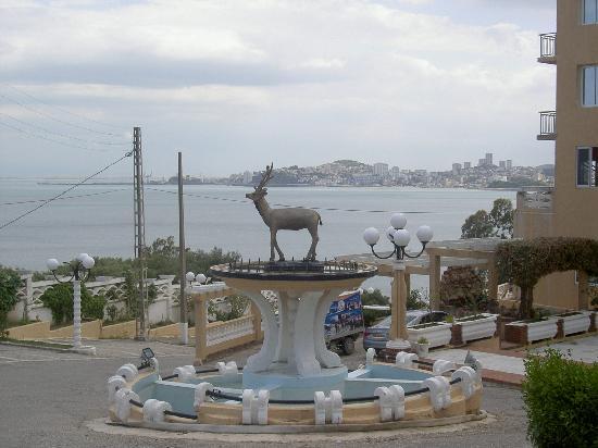 Annaba, Algeria: entrada hotel Rhym el Yamil