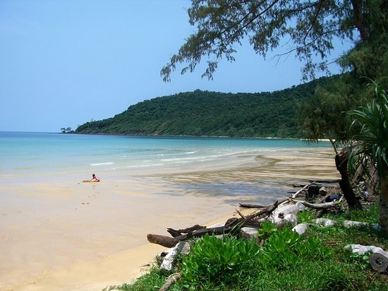 Koh Rong Samloem, Cambodia: The beach