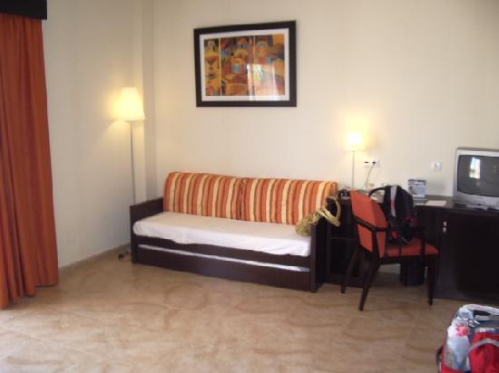 Cabogata Mar Garden Hotel Club & Spa: el sofa