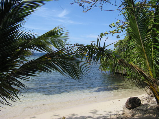 Roatan, Honduras : walking along the beach