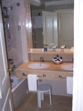 Hotel Jerez & Spa: baño